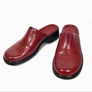 Clarks Red Mules Slip On Shoes Size 7 1/2 M